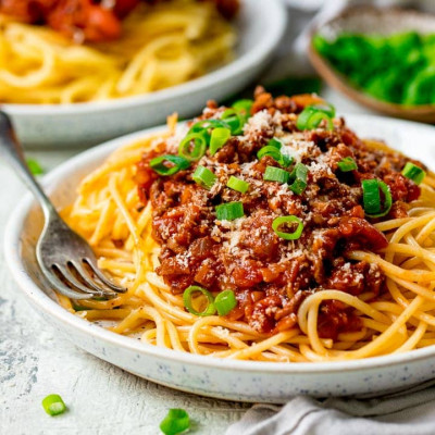 LARGE SPAGHETTI BEEF BOLOGNESE